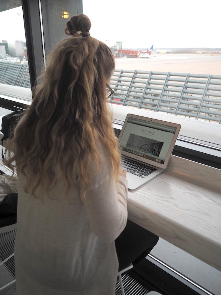 Janina Pohja, lentokenttä