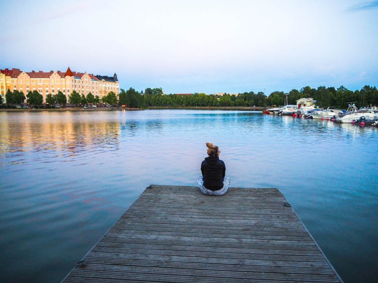 Töölö, Helsinki, Visit Helsinki, koti-ikävä, kotona, home bound, Janina Pohja, Fit Times, satama, laituri, auringonlasku, Kaisaniemi