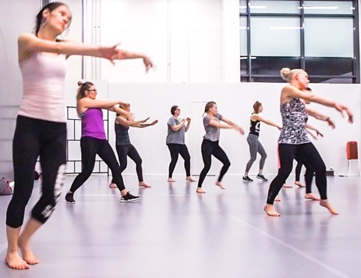 reggaeton, Tanssikoulu KMDance, tanssikoulu Espoo, tanssikoulu Helsinki, paras tanssikoulu, Janina Michaela, lifestyle-bloggaaja, uskallanko tanssia, lattaritanssit, lajikokeilu, uskalla, kuinka ylittää itsensä, epävarmuus, oivalluksia
