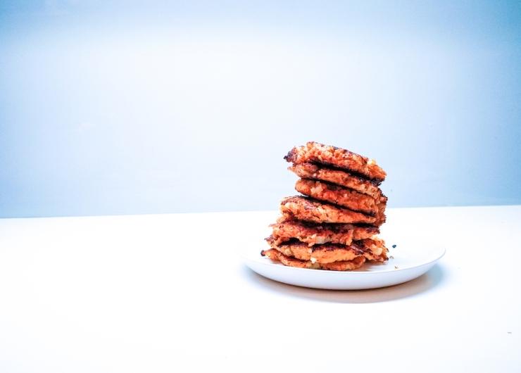 porkkanapihvit, resepti, kotikokki, parasta edelleen, ruokahävikki, kuinka vähentää hävikkiä, mäski hyötykäyttöön, mitä tehdä mäskistä, Janina Michaela, lifestyle-bloggaaja