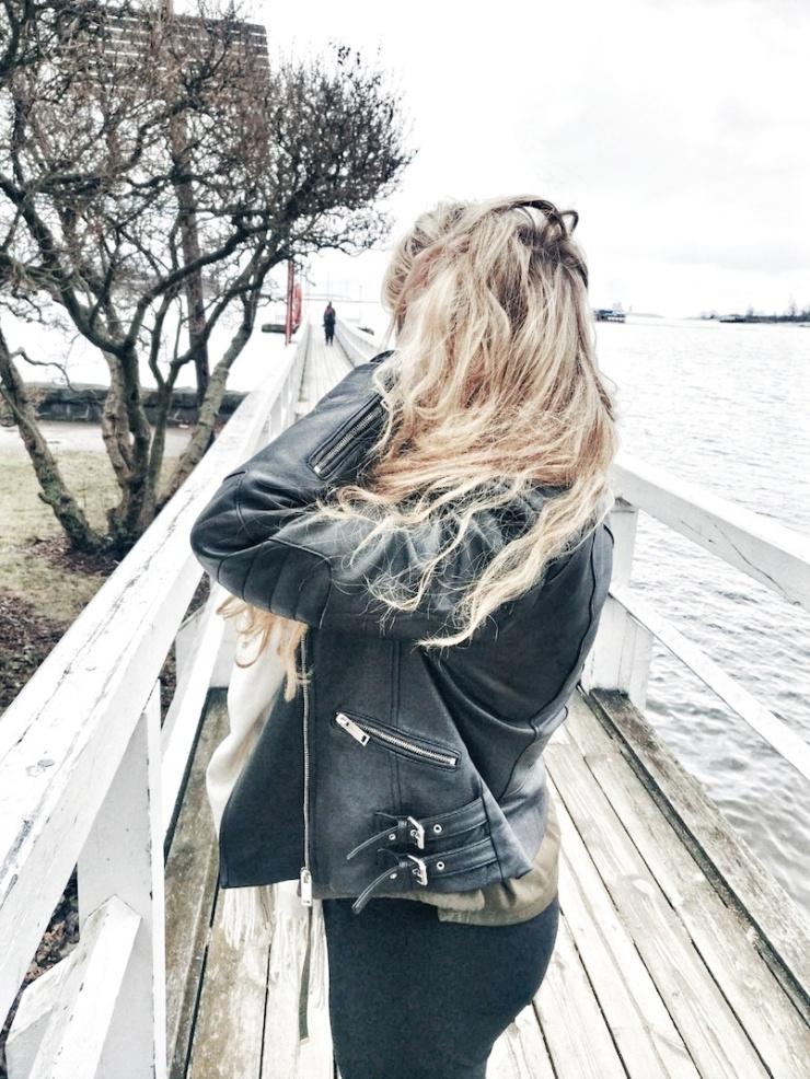 Janina Michaela, positiivinen, lifestyle-bloggaaja, Suomi, kuinka olla positiivinen, miten voisin auttaa, auttaminen, ystävyys, onnellinen, tunteet, miten saada toiselle hyvä mieli, hyvä elämä