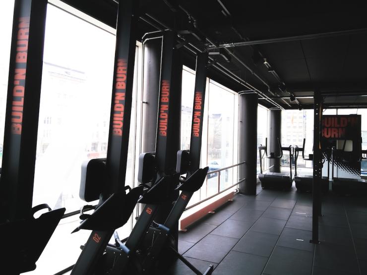 Build'n burn, ryhmäliikunta, SATS Elixia, Marsaana, lifestyle-bloggaaja, sporttilbloggaaja, hyvinvointi, kokemuksia ryhmäliikunnasta, Build'n burn kokemuksia, kuntosali, Suomi, konseptilanseeraus, Elixia Kamppi