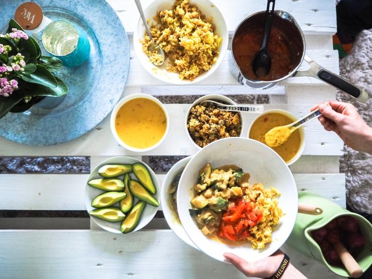 Janina Michaela, vegaaniruoka, ruokakurssi, kotikokki, Muni's Workshops, Muni's Adventures, munkki, krishnalainen keittiö, vegekurssi, mitä on vegaaniruoka, miten tehdä vegaaniruokaa